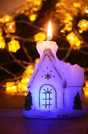 LED žvakė NAMUKAS 16 cm.